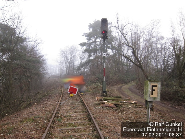 http://www.ralf-gunkel.de/dso/Pfungstadtbahn/FPU-2011-02-07-IMG_9727-k.JPG
